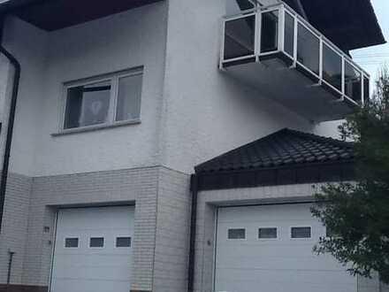 Schöne, geräumige vier Zimmer Wohnung in Siegen-Wittgenstein (Kreis), Netphen