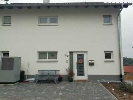 Schönes Haus mit Einlieger Wohnung in Bergstraße (Kreis), Lautertal (Odenwald)