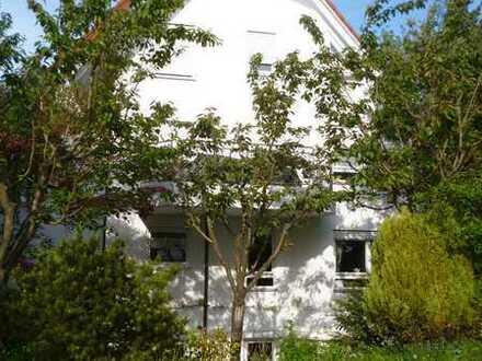 Schöne 4-Zimmer Maisonette-Wohnung in Bad Cannstatt Sommerrain in Gartenanlage, Halbhöhenlage