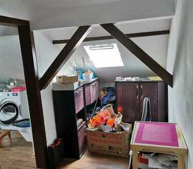 Sanierte-1 Zimmer-Dachgeschosswohnung in Alsdorf