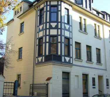 **ToP** 4-Raum Maisonette-Wohnung mit Balkon und Einbauküche in der Nähe des Zentrums zu vermieten**