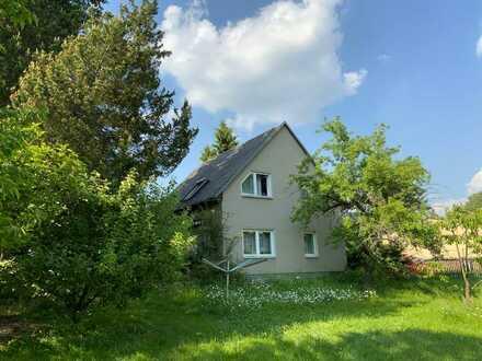 Einfamilienhaus mit großem Grundstück in Reichenbrand