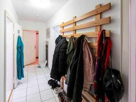 Hübsche, gemütliche MädelsWG bietet ca. 13 qm Zimmer möbliert ab 1.2.20 in Pforzheim Innenstadt