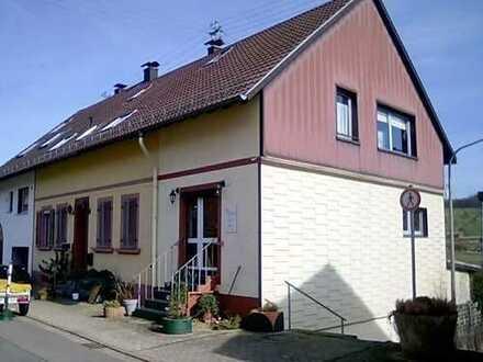 Schöne großzügige Eigentumswohnung Wohnung in Art einer Doppelhaushälfte