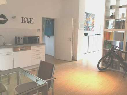 TOP-Modernisierte 2,5 Zimmer-Ladenbürofläche in Neuhausen-Nymphenburg