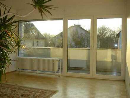 Großzügige,helle 3-Zimmer WG mit Balkon in ruhiger Lage , Waldnähe