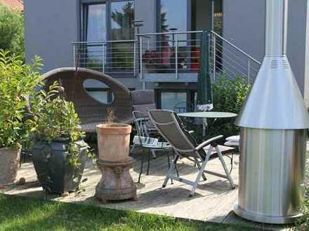 D-Hamm Top- 4 Zimmer Wohnung m. Terrasse u. Garten