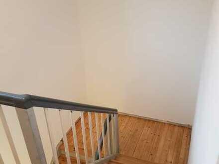 3 Zimmer DG Wohnung ohne Balkon, ca. 80qm, Tegernheim