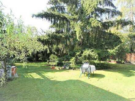 Reiheneckhaus mit großem Garten und Platz für eine Familie mit 2-3 Kindern in Zehlendorf