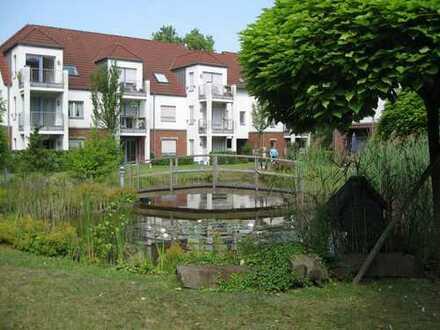 Barriere freie, Senioren gerechte, geräumige 2-Zimmer-Wohnung mit Terrasse u. Blick in den Park