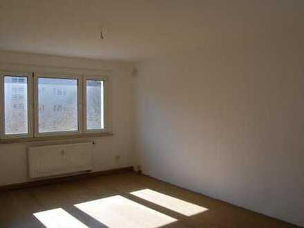 Neuer Bodenbelag zum Einzug - 3-Zimmer-Wohnung in ruhiger Grünlage