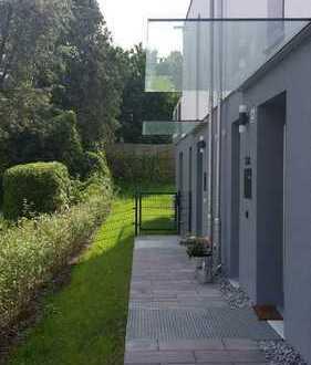 Erstbezug, Exclusive Architekten-Doppelhaushälfte in bester Lage in Erding
