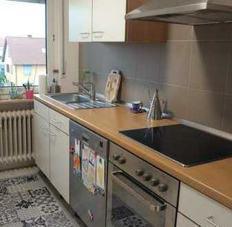 Vollständig renovierte Wohnung mit drei Zimmern sowie Balkon und Einbauküche in Grünstadt
