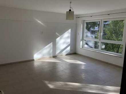 880 €, 60 m², 2 Zimmer