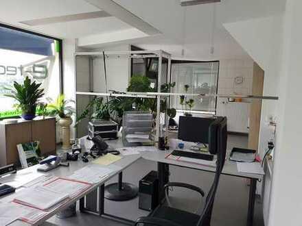 Vermiete 2 Büro-/Praxisräume und Aufenthaltsraum