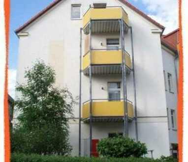 NEU renovierte 2-Zi. Wohnung mit BALKON und PKW-Stellplatz!