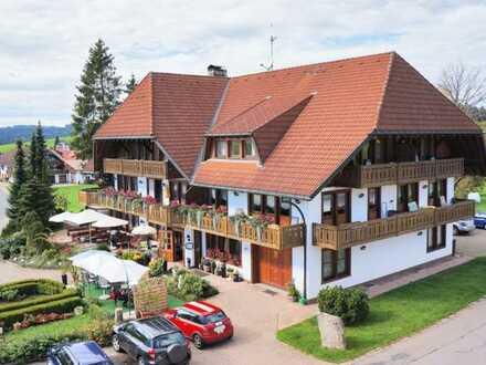 Landgasthof mit Restaurant, Fremdenzimmer/Apartments im Schwarzwaldstil