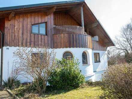 Gepflegte 5-Raum-Wohnung, großer Balkon, Einbauküche u. große Doppelgarage 5x7m