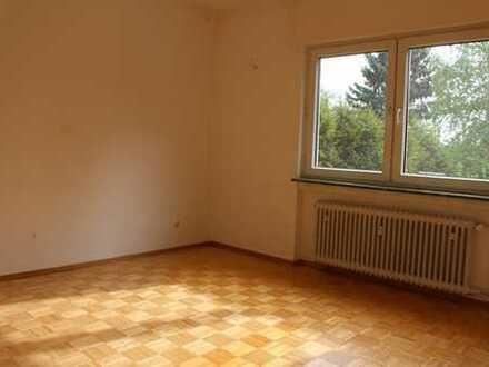 Bitte nur schriftl.Anfragen:  Kelkheim-Münster : 3 Zi.-Wohnung mit Balkon sucht Mieter!