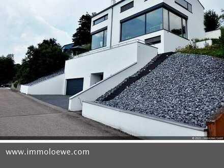 Moderne und repräsentative Villa in Traumlage