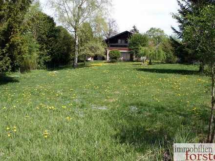 Großes Einfamilienhaus mit großem Garten in TOP Lage von Oberhausen!