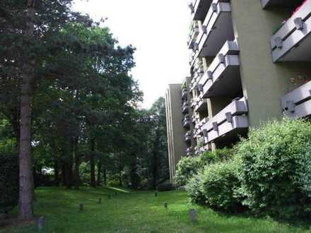 Vollständig renovierte 3-Zimmer-EG-Wohnung mit Loggia in Fürth