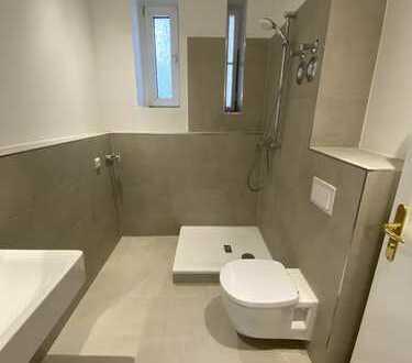 *NEU* WG-geeignete 2-Zimmerwohnung mit Balkon am S-Bhf. Schönholz