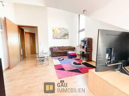 Seltene Gelegenheit! 2-Zimmer-Dachgeschosswohnung mit EBK und traumhafter Aussicht