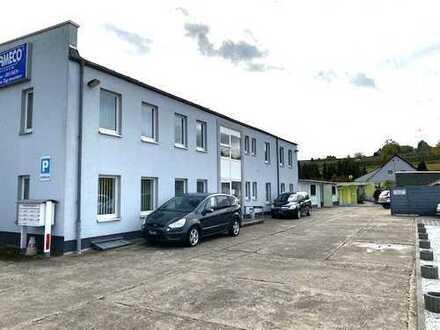 Grundstück (1690qm) mit Bürogebäude (Bj 1995) u. viel Nebengelass mit guter Werbemöglichkeit