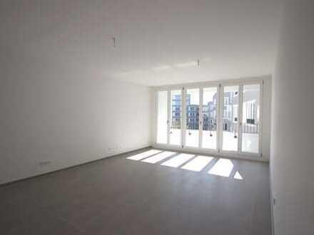 Reizvolle, moderne Neubauwohnung mit großen Fenstern