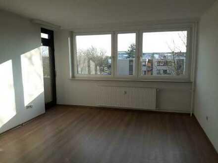 Modernisierte 2-Zimmer-Wohnung mit EBK und Balkon in Südausrichtung