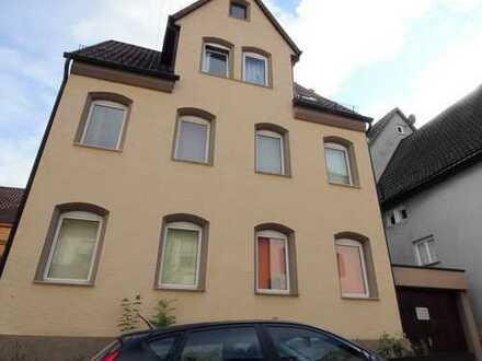 vermietetes 3-Familienhaus (freistehend) mit Garage in nachgefragter Lage von S-Hedelfingen!