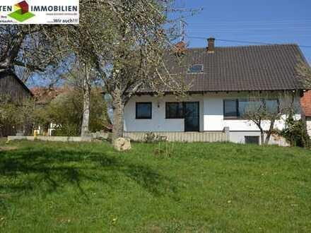 Sehr gepflegtes Einfamilienhaus mit Einliegerwohnung mit 1520m² großen, harmonischem Grundstück!