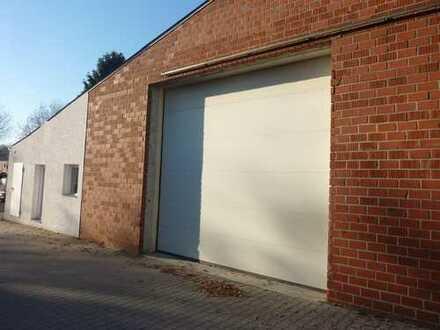 150 m² große Lagerhalle mit Sektionaltor