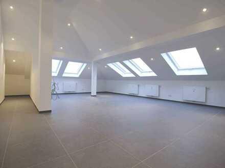 Exklusive, klimatisierte Dachgeschoss-Wohnung mit Aufzug in Top Lage (Nr. 22)