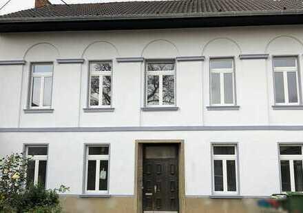 Erstbezug nach Sanierung: Schicke 3,5-Zimmer-Wohnung mit Balkon in Ersdorf