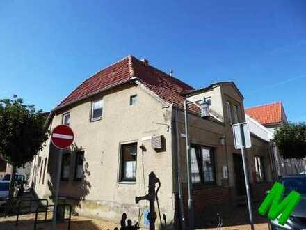 + Maklerhaus Stegemann + Wohnhaus mit ehemaliger Gaststätte im Zentrum von Neubukow