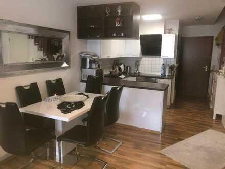 Exklusive, gepflegte 2-Zimmer-Maisonette-Wohnung mit Einbauküche in Frickenhausen