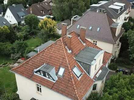 3-4-Zimmer-Dachgeschosswohnung mit Garten /Carport