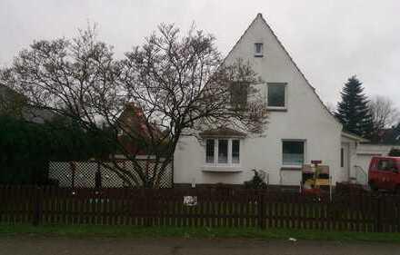 Gepflegte 2-Zimmer-Dachgeschosswohnung mit EBK in Cuxhaven für Einpersonenhaushalt