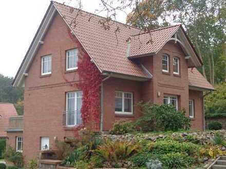 Modernes Niedrigenergiehaus/Wohnen am Hang