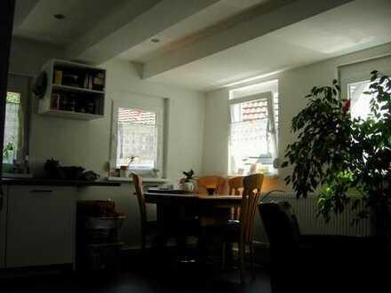 Stilvolle 2-Zimmer-Wohnung mit EBK in Ludwigsburg