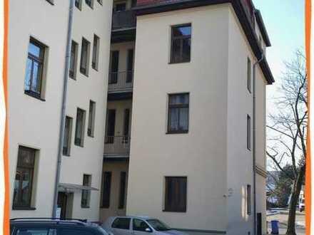 NEU RENOVIERTE hübsche kleine 3-Zi. Wohnung