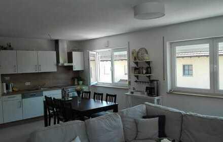 Neuwertige 3-Zimmer-Wohnung mit Balkon und Einbauküche in Vilshofen an der Donau