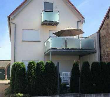Neuwertige, sehr gepflegte Maisonettenwohnung mit Balkon