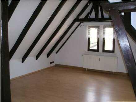 Gepflegte 2-Zimmer-Dachgeschosswohnung mit Einbauküche in Bad Klosterlausnitz