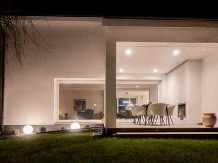 Atemberaubend und Mystisch - 6,5- Zimmer- Luxus-Villa mit Pool in begehrter Lage