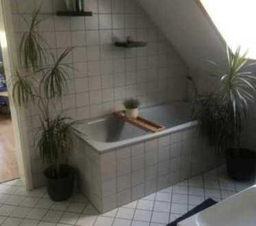 Rarität und Toplage, Schöne, ruhige und lichtdurchflutete Dachgeschoss-Maisonette Wohnung mit Balkon