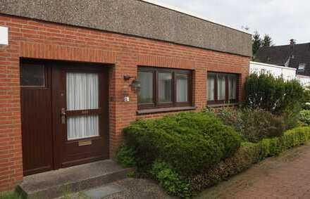 Schönes Haus mit viereinhalb Zimmern, Garten und Garage in Bremen, Oberneuland