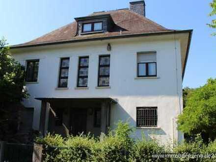 """XXL-Villa mit viel Potenzial, traumhafter Garten, tolle Stadtlage """"OFFENBACH"""""""